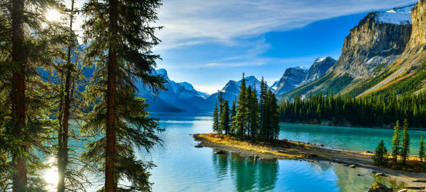 Spirit Island in Maligne Lake, Jasper National Park,Canada Beautiful Spirit Island in Maligne Lake, Jasper National Park, Alberta, Canada rocky mountains north america stock pictures, royalty-free photos & images