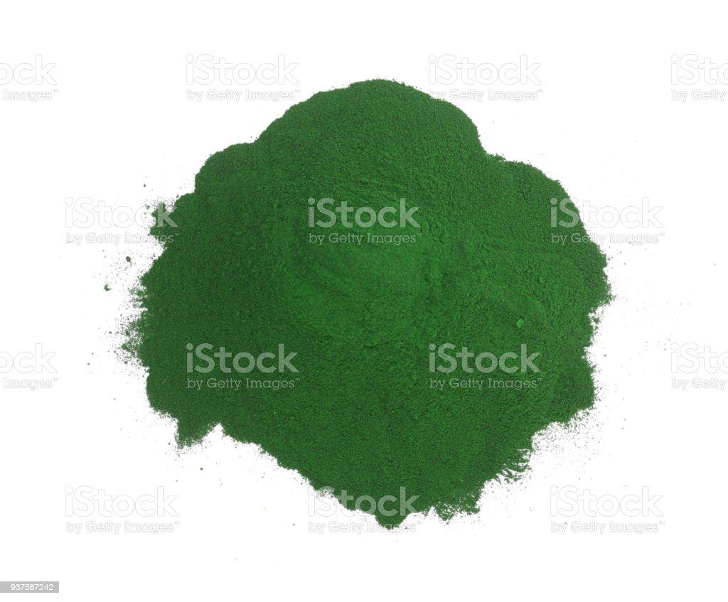 Polvo de espirulina algas aislado sobre fondo blanco. Vista superior - foto de stock