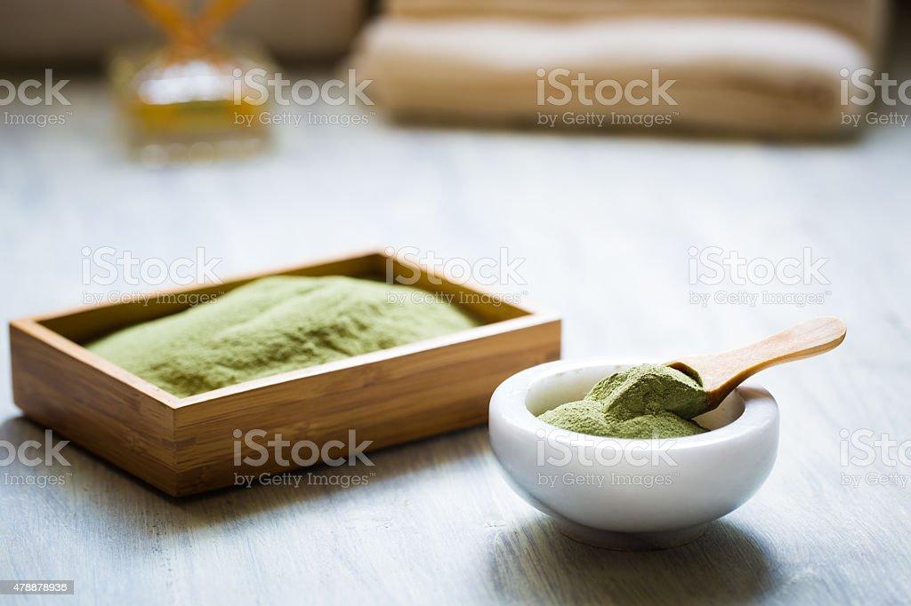 Spirulina polvo en cerámica bowl - foto de stock