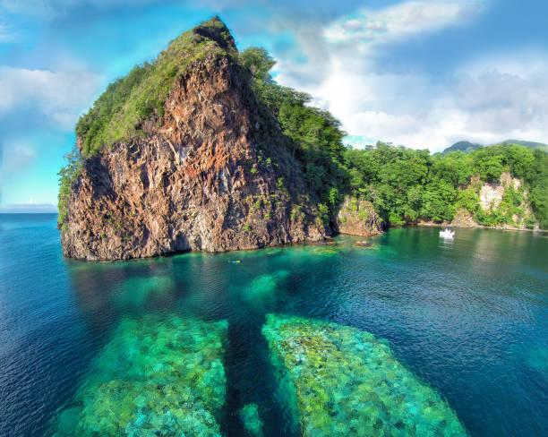 Split Rock, Dominica – Foto