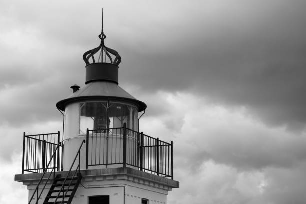 Spodsbjerg Fyr (lighthouse) in monochrome Spodsbjerg Fyr (lighthouse) near Hundested at Zealand, Denmark in monochrome pejft stock pictures, royalty-free photos & images