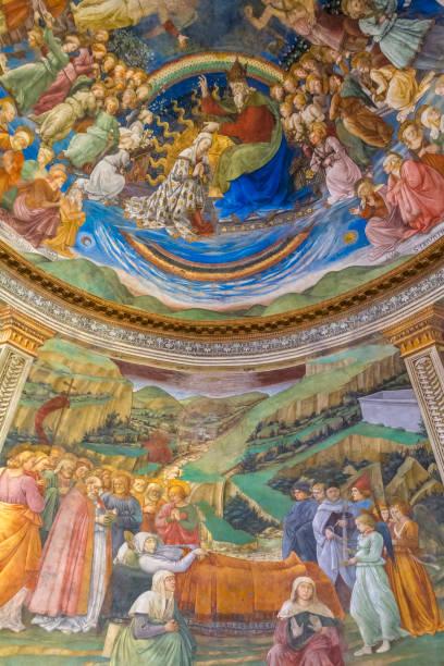 spoleto cathedral, 15th century frescoed apse (umbria, italy) - ferragosto foto e immagini stock