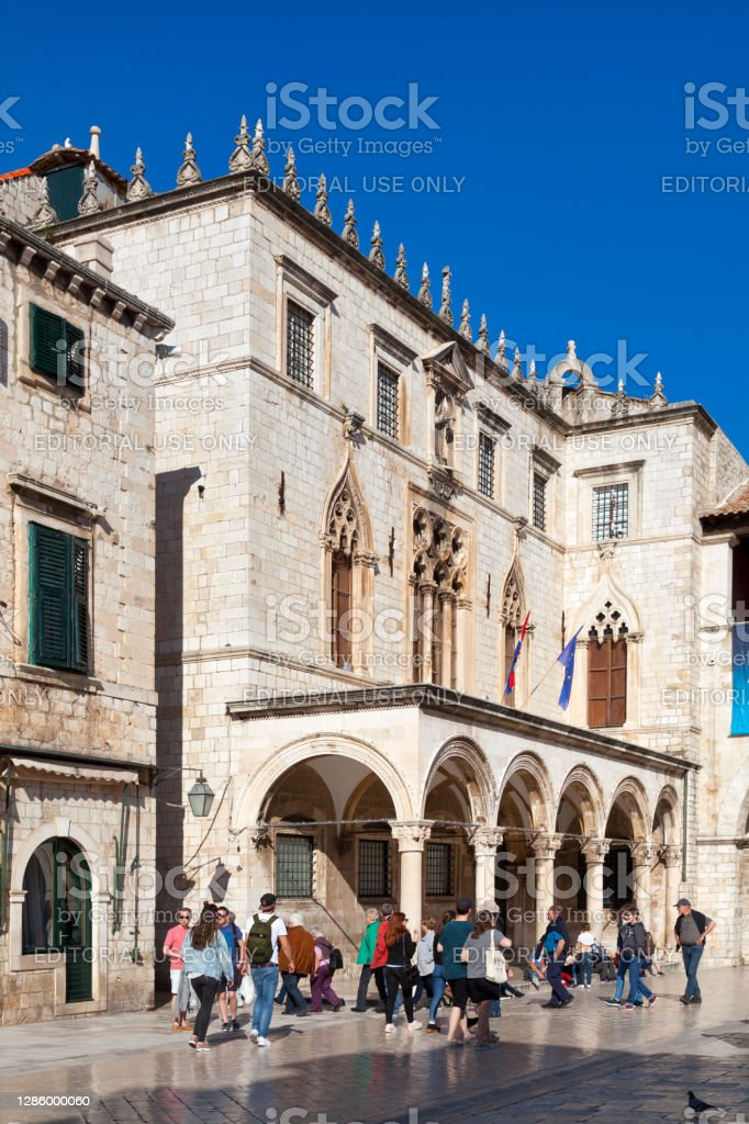 Sponza Palace in Dubrovnik Dubrovnik, Croatia - April 19 2019: The Sponza Palace (Croatian: Palača Sponza), also called Divona, is a 16th-century palace in the old town. Ancient Stock Photo