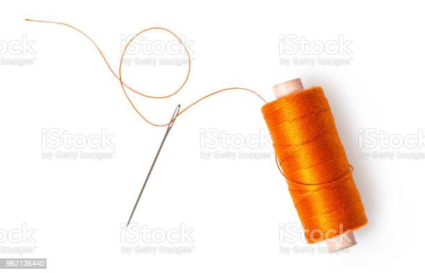 Spool of thread with a needle picture id962136440?b=1&k=6&m=962136440&s=612x612&h=h17vtm mpxlwexoihpwpmlfxtclqzqcmwzasvw48syi=