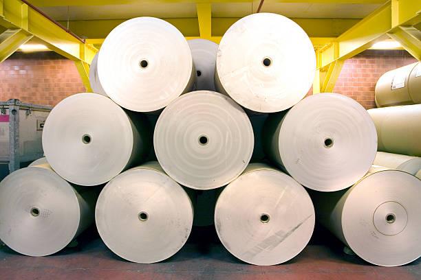 spools von papier - papierrollen stock-fotos und bilder