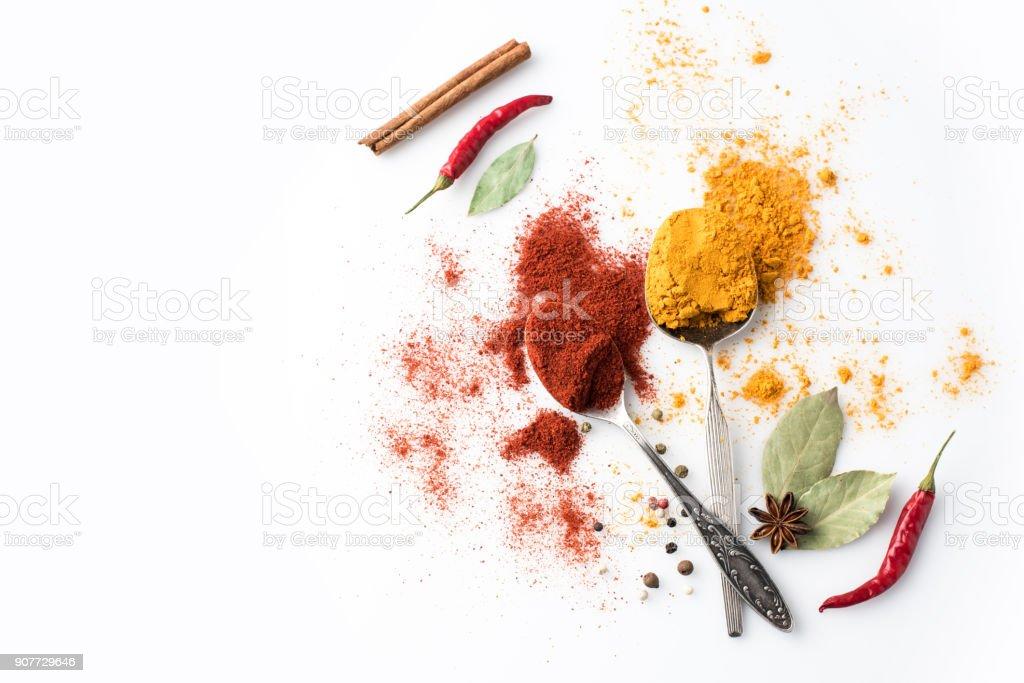 cucharas con pimentón y curry foto de stock libre de derechos