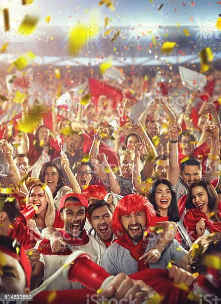 Sport fans happy cheering friends picture id514833852?b=1&k=6&m=514833852&s=612x612&h=xa0f8g exai3ib32kpmwixaaeralqhaqup6f0shjivk=