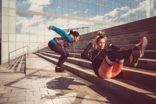 sport in barcelona - trainingshose stock-fotos und bilder