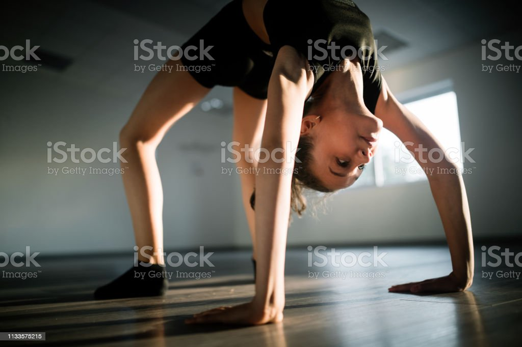 Sport training fitness dancing active lifestyle concept. Girl...