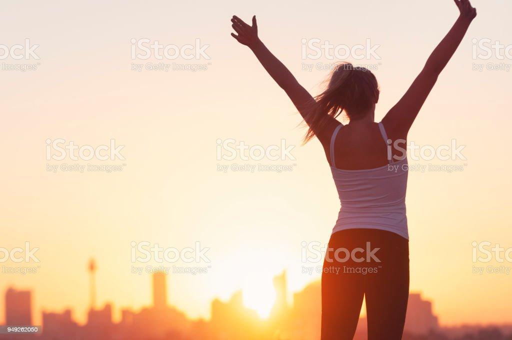 Sport Frauen feiern mit erhobenen Armen. – Foto