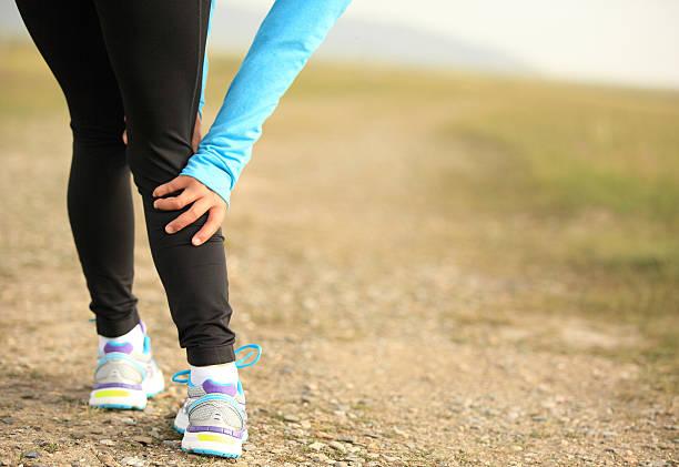 sport-verletzungen - schlanke waden stock-fotos und bilder