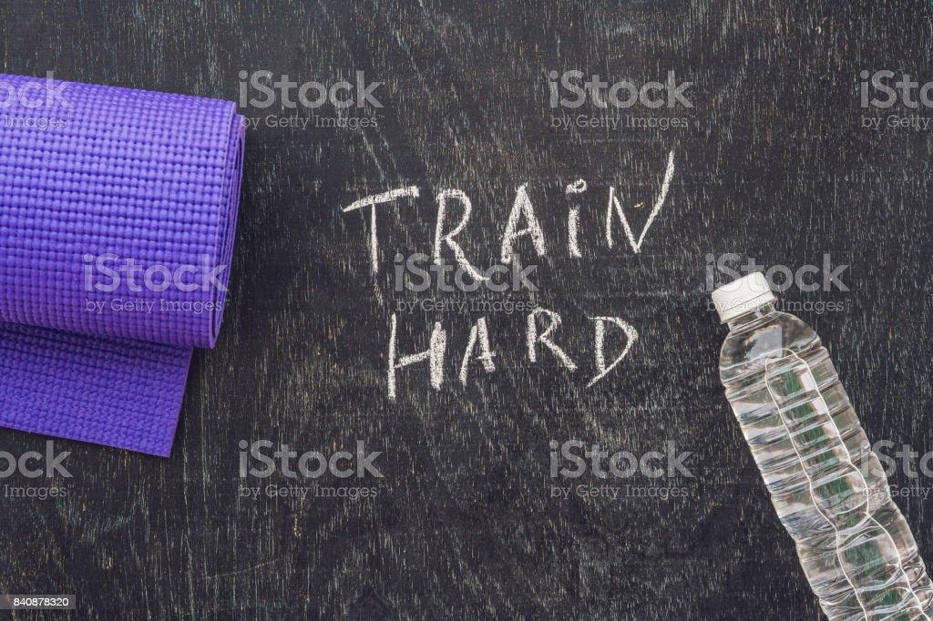Foto De Texto Motivacional De Esportes Treinar Duro Em Uma
