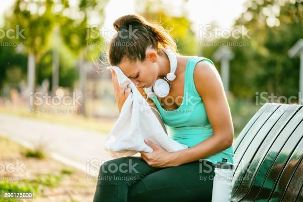 Sportliche Frau Outdoor Stockfoto und mehr Bilder von Athlet