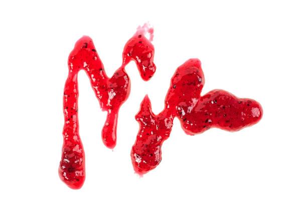 spot der heidelbeere marmelade isolierten auf weißen hintergrund aus, ansicht von oben. - ribiselmarmelade stock-fotos und bilder