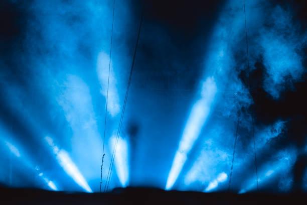 Scheinwerfer in Rauch – Foto
