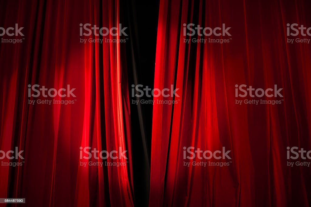 Spotlight on the Stage Curtain about to Open – Foto