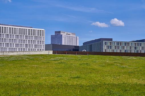 Spreebogenpark with Buildings of Bundesministerium für Bildung und Forschung, Futurium office building and Charite in background