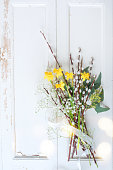 istock Spring bouquet on white vintage board 1127768029