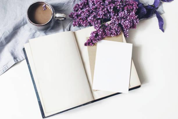 Spring feminine scene floral composition bunch of purple and white picture id1152020543?b=1&k=6&m=1152020543&s=612x612&w=0&h=w76oxc8hv3c7w8 cbdncihcibfgxngtdq 6pwefexwi=
