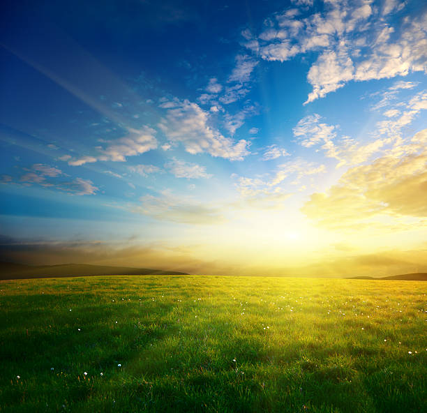 spring sunset My IStock Lightbox LANDSCAPE SUNSETS horizon over land stock pictures, royalty-free photos & images
