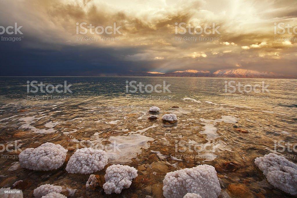 Primavera tuono-storm sul Mar Morto foto stock royalty-free