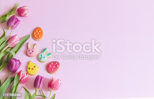 istock Spring Tulips and Easter cookies 1137980055