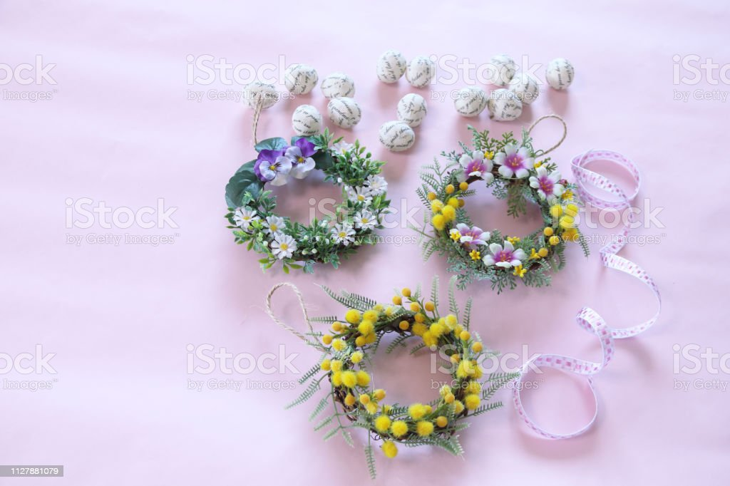 Spring wreath and easter egg
