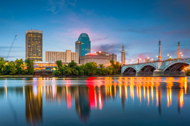 Springfield, Massachussetts, USA downtown skyline on the river. Springfield, Massachussetts, USA downtown skyline on the river. massachusetts stock pictures, royalty-free photos & images