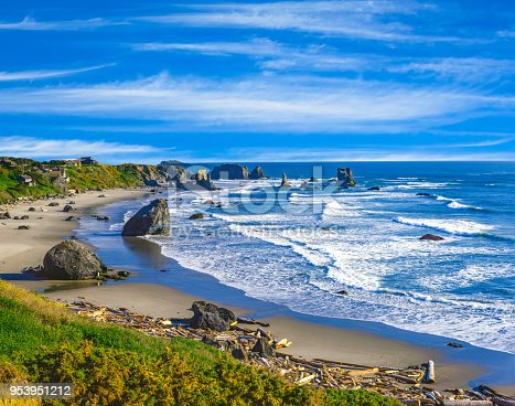 refreshing seaside outing; feeling refreshed; escape to, sea stacks, Oregon coastline overview