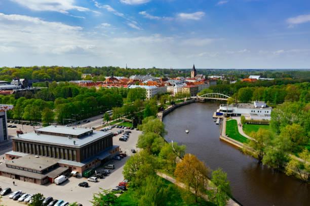 Das Stadtbild des Frühjahrs in Tartu – Foto
