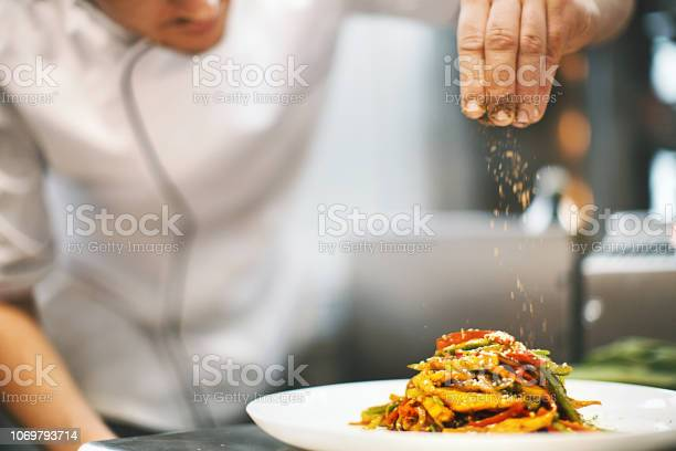 Sprinkling seasonings from high up picture id1069793714?b=1&k=6&m=1069793714&s=612x612&h=e12c8guedftr1fwd ybkk5rclll5sjyps1ru6 x7atm=