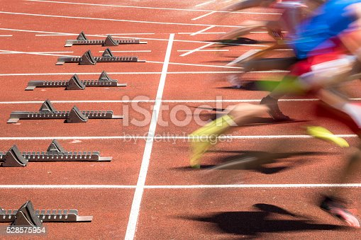 istock sprint start in blurred motion 528575954