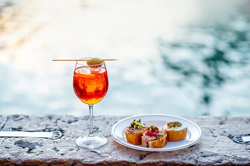 Spritz Aperol with cicchetti