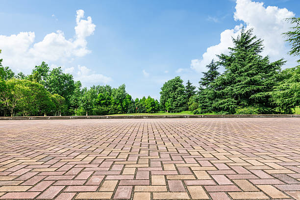 Square and the green forest No one's square in front of the green woods town square stock pictures, royalty-free photos & images