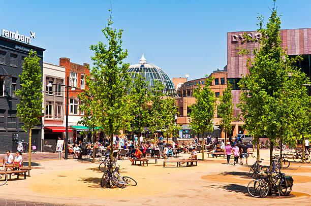 square in eindhoven city - eindhoven city stockfoto's en -beelden