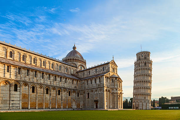 piazza dei miracoli view piazza dei miracoli view in pisa pisa stock pictures, royalty-free photos & images