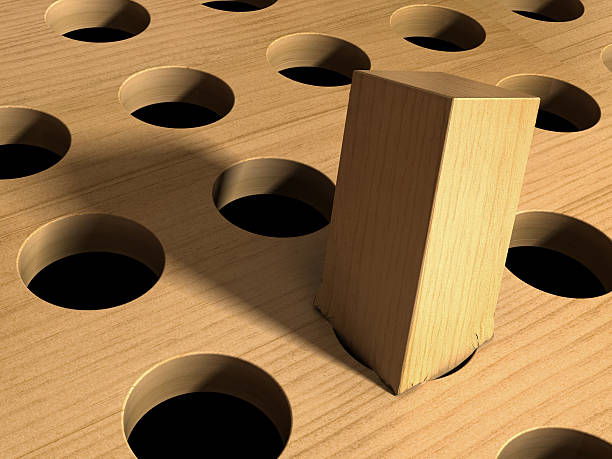 Square Peg in a Round Hole – Foto