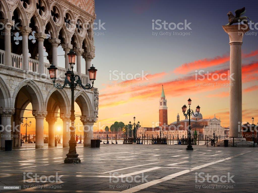 Plaza San Marco - Stock Foto e Imagen de Stock   iStock