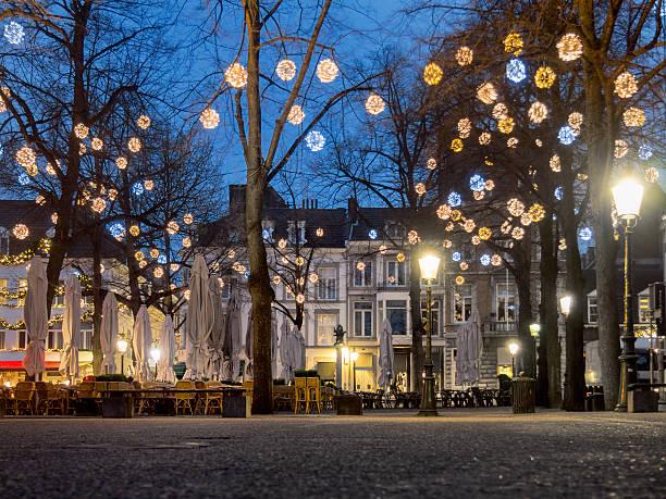 square with christmas decoration. - maastricht stockfoto's en -beelden