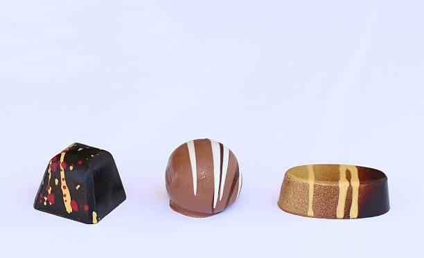 Squered, runde und ovale Schokoladen-bonbon – Foto