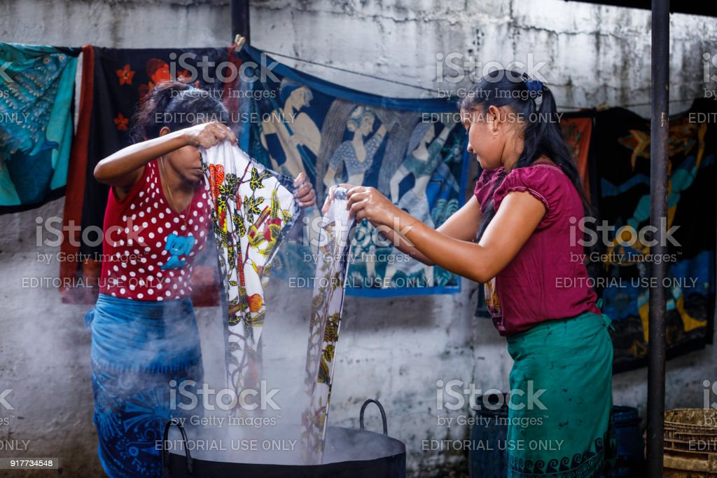 cheaper cb70a 8212d Sri Lanka Batik Manufacture Stock Photo - Download Image Now ...
