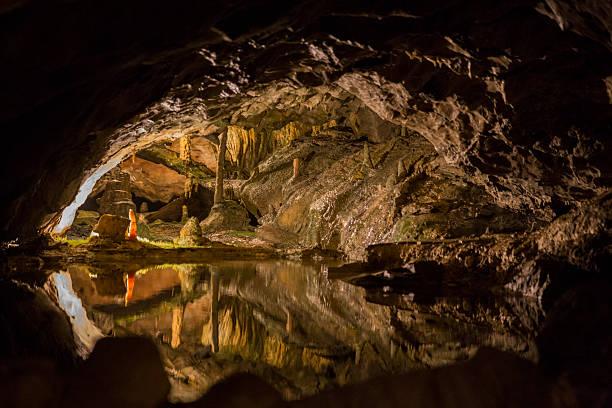 st. beatus caves - stalagmit bildbanksfoton och bilder