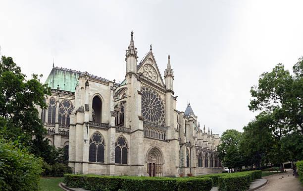st. denis cathedral, paris france - bazilika stok fotoğraflar ve resimler