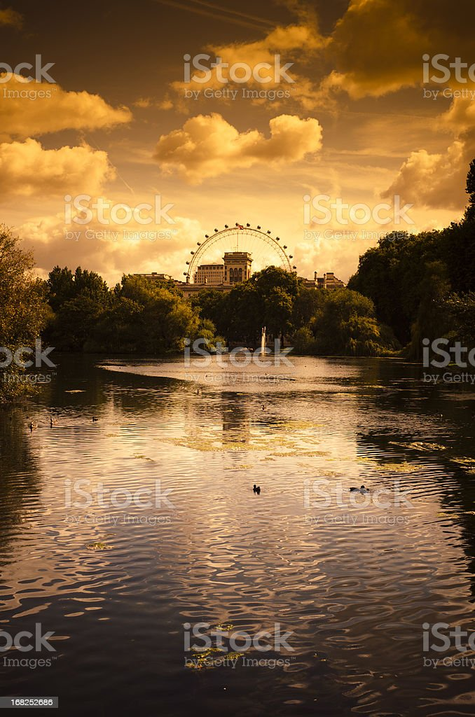 St james park in London at sunset royalty-free stock photo