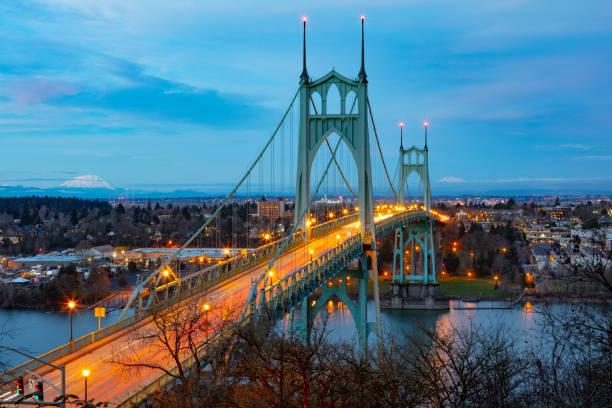 St Johns Bridge Portland Dämmerung. – Foto