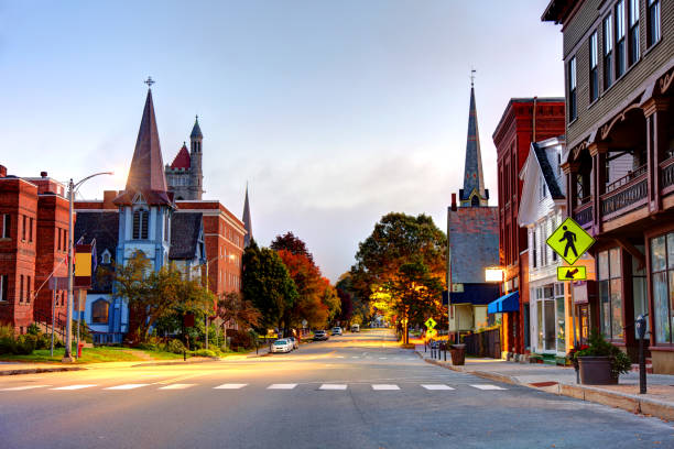 St. Johnsbury, Vermont St. Johnsbury is the shire town of Caledonia County, Vermont, United States. St. Johnsbury is the largest town by population in the Northeast Kingdom of Vermont town square stock pictures, royalty-free photos & images