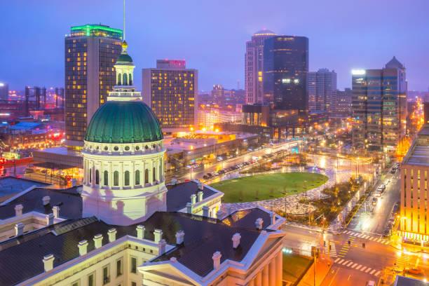 聖路易斯市中心天際線黃昏 - st louis 個照片及圖片檔
