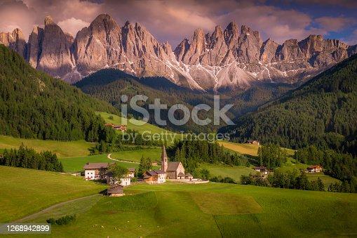 St. Maddalena church in Idyllic Alpine landscape at sunset - Val di Funes, Dolomites alps – Italy