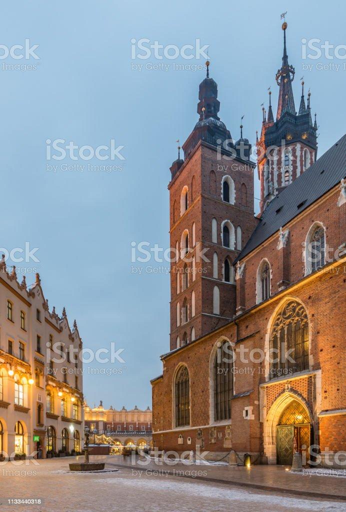 St. Marienkirche und alte Stadt Krakau Polen – Foto