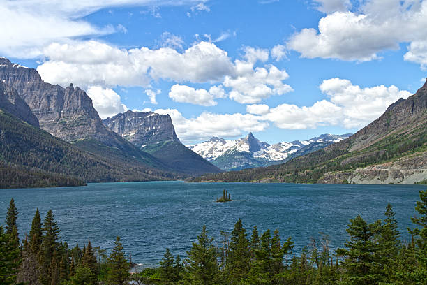 st. mary lake, glacier national park, montana - st. mary lake stock pictures, royalty-free photos & images